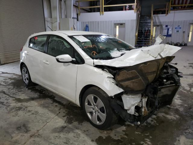 Salvage cars for sale from Copart Kansas City, KS: 2016 KIA Forte LX