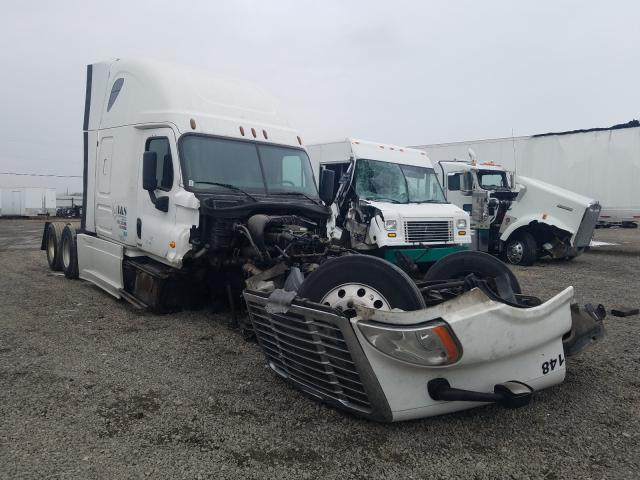 Salvage cars for sale from Copart Hammond, IN: 2017 Freightliner Cascadia 1