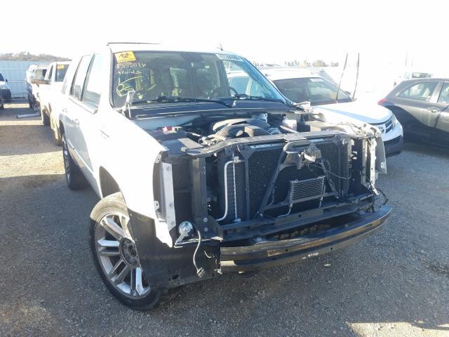 Cadillac Vehiculos salvage en venta: 2011 Cadillac Escalade P