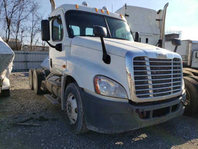Salvage cars for sale from Copart Louisville, KY: 2009 Freightliner Cascadia 1