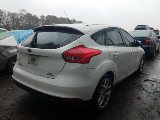 2015 FORD FOCUS SE - Right Rear View