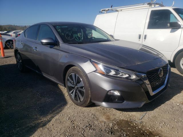 Salvage cars for sale from Copart San Martin, CA: 2019 Nissan Altima SV