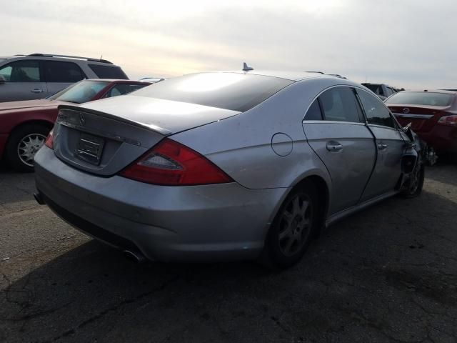 2011 MERCEDES-BENZ CLS 550 - Right Rear View