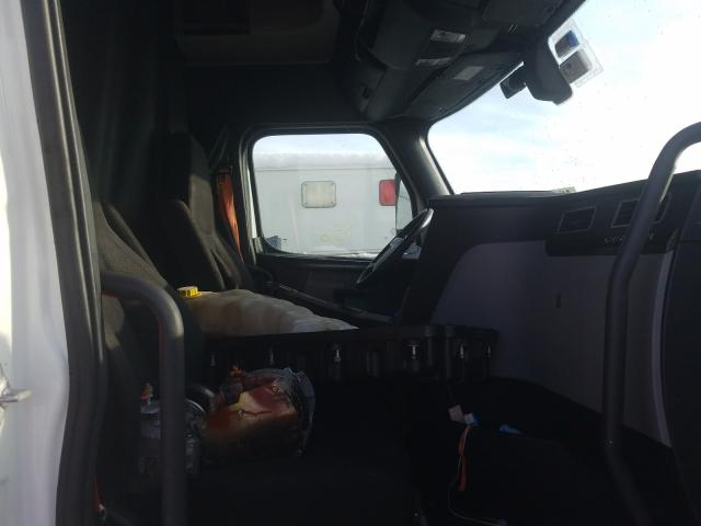 2020 FREIGHTLINER CASCADIA 1 - Left Rear View