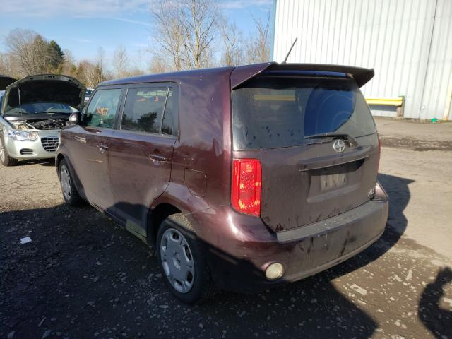 2010 TOYOTA SCION XB - Right Front View