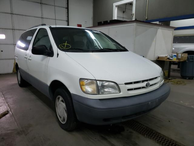 Salvage cars for sale from Copart Pasco, WA: 1998 Toyota Sienna LE
