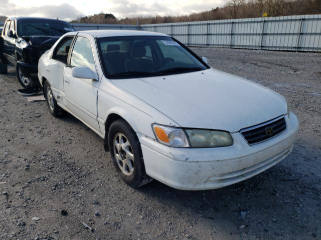 Salvage 2000 TOYOTA CAMRY - Small image. Lot 31091991