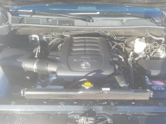5TFDW5F18HX661632 2017 Toyota Tundra Cre 5.7L