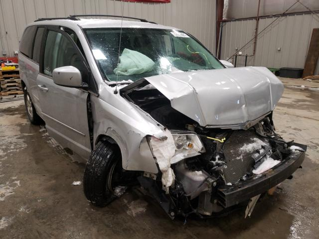 Salvage cars for sale from Copart Appleton, WI: 2009 Chrysler Town & Country