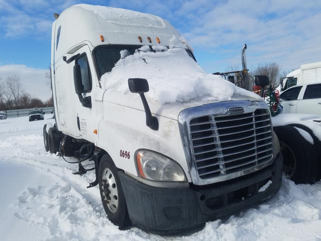Salvage cars for sale from Copart Elgin, IL: 2010 Freightliner Cascadia 1