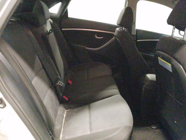 2013 HYUNDAI ELANTRA GT - Interior View