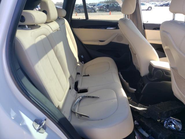 2017 BMW X1 XDRIVE2 - Interior View