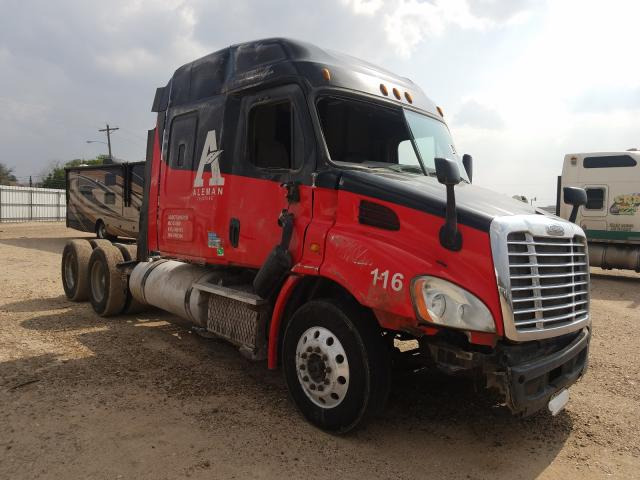 Salvage cars for sale from Copart Mercedes, TX: 2014 Freightliner Cascadia 1
