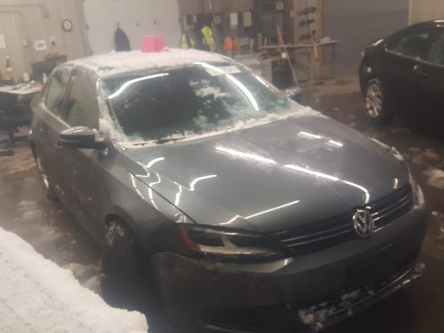 Salvage cars for sale from Copart Candia, NH: 2014 Volkswagen Jetta SE