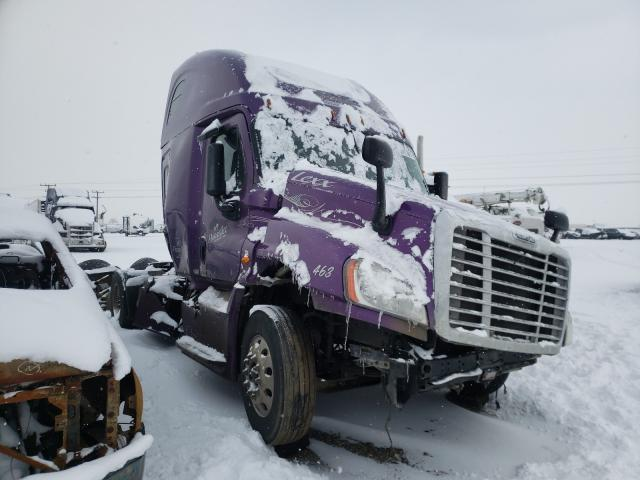 Salvage cars for sale from Copart Helena, MT: 2017 Freightliner Cascadia 1
