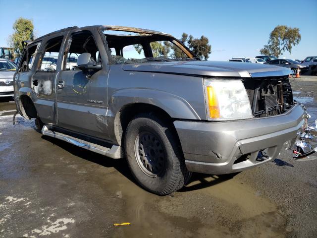 Carros salvage para piezas a la venta en subasta: 2002 Cadillac Escalade L