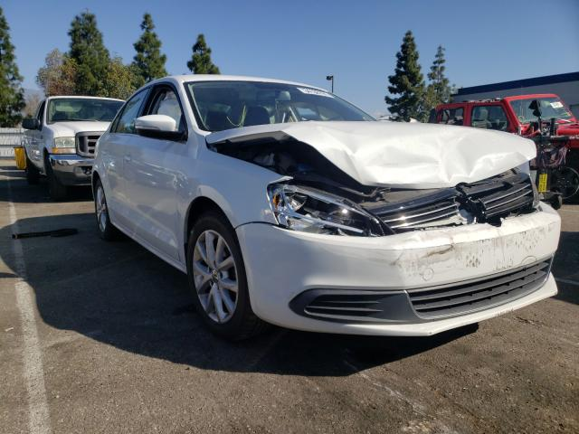 Salvage cars for sale from Copart Rancho Cucamonga, CA: 2014 Volkswagen Jetta SE