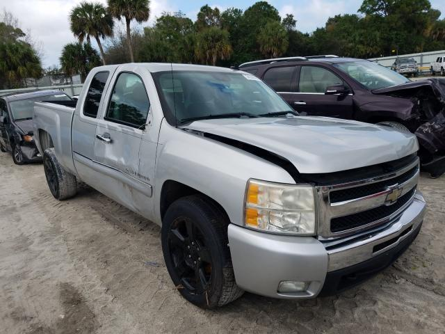 Salvage cars for sale from Copart Fort Pierce, FL: 2011 Chevrolet Silverado