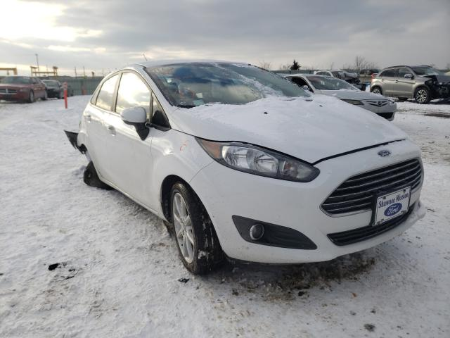 Salvage cars for sale from Copart Kansas City, KS: 2015 Ford Fiesta SE