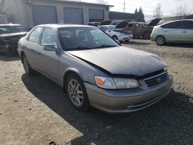 Salvage cars for sale from Copart Eugene, OR: 2000 Toyota Camry LE