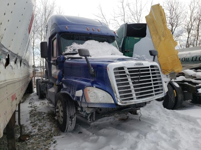 Salvage cars for sale from Copart Appleton, WI: 2017 Freightliner Cascadia 1