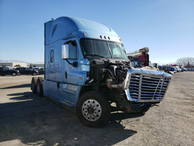 Salvage cars for sale from Copart Bakersfield, CA: 2017 Freightliner Cascadia 1