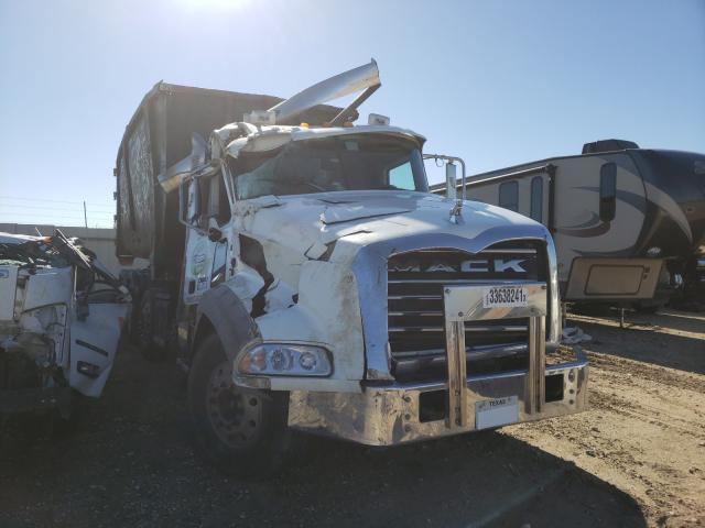 2015 Mack 800 GU800 for sale in Temple, TX