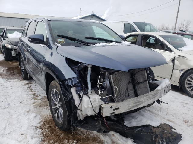 Salvage cars for sale from Copart Pekin, IL: 2018 Toyota Highlander