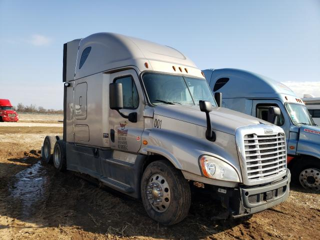 Salvage cars for sale from Copart Sikeston, MO: 2015 Freightliner Cascadia 1