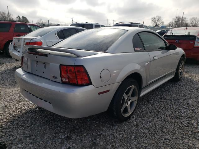 2000 FORD MUSTANG - Right Rear View