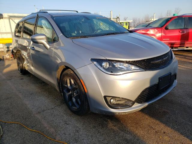 Salvage cars for sale from Copart Pekin, IL: 2018 Chrysler Pacifica T