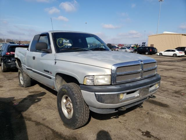 Salvage cars for sale from Copart Moraine, OH: 2001 Dodge RAM 1500