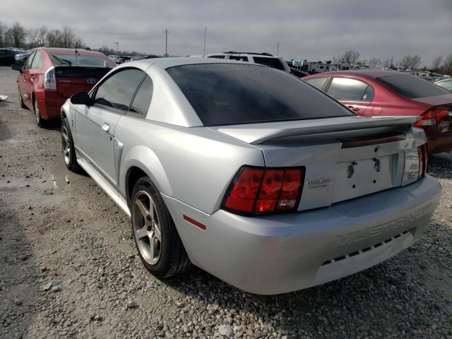2000 FORD MUSTANG - Right Front View