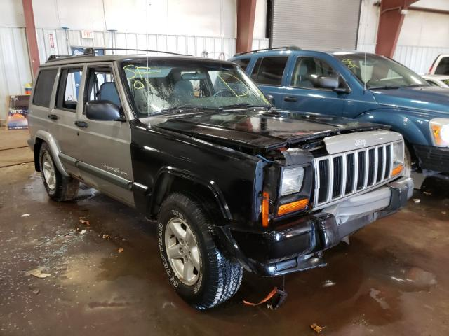 Salvage cars for sale from Copart Lansing, MI: 2001 Jeep Cherokee S