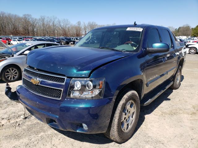2007 CHEVROLET AVALANCHE - Left Front View