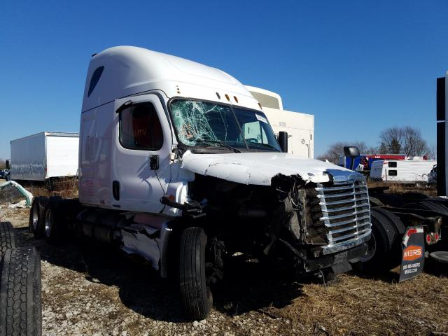 Salvage cars for sale from Copart Cicero, IN: 2015 Freightliner Cascadia 1