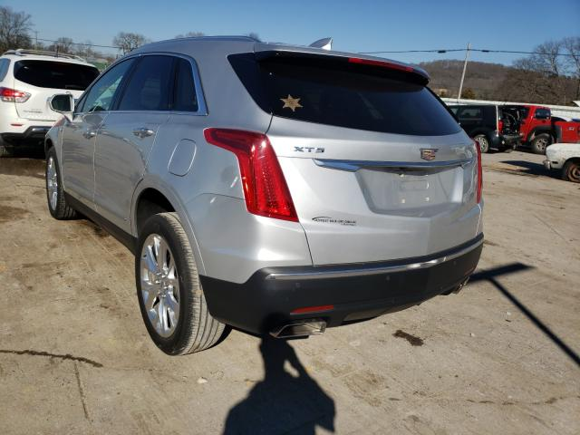 2017 CADILLAC XT5 LUXURY - Right Front View