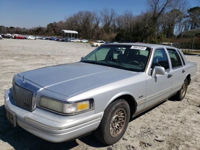 1997 LINCOLN TOWN CAR E - Left Front View