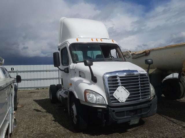 Salvage cars for sale from Copart Vallejo, CA: 2012 Freightliner Cascadia 1