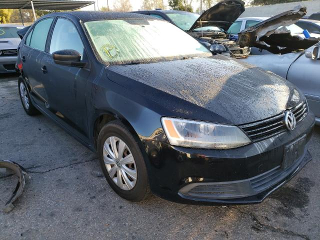 Salvage cars for sale from Copart Colton, CA: 2013 Volkswagen Jetta Base