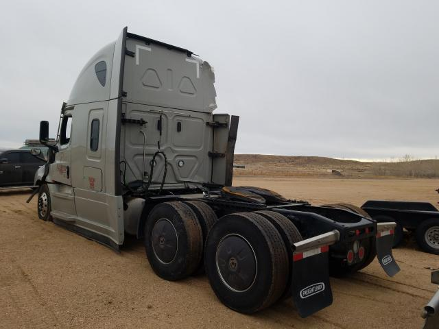 2021 FREIGHTLINER CASCADIA 1 - Right Front View