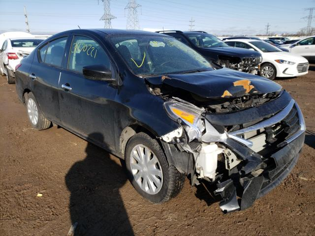 Salvage cars for sale from Copart Elgin, IL: 2019 Nissan Versa S