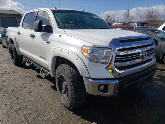 Salvage cars for sale from Copart Eugene, OR: 2017 Toyota Tundra CRE