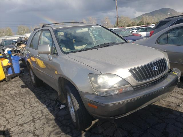 Salvage cars for sale from Copart Colton, CA: 2000 Lexus RX 300