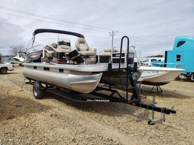 Salvage boats for sale at Chatham, VA auction: 2016 Suntracker Boat