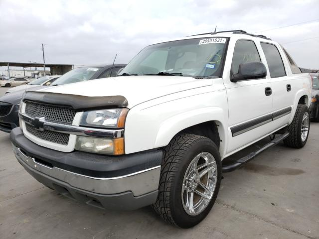 2005 CHEVROLET AVALANCHE - Left Front View