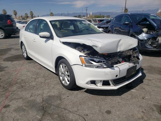 Salvage cars for sale from Copart Colton, CA: 2013 Volkswagen Jetta SE