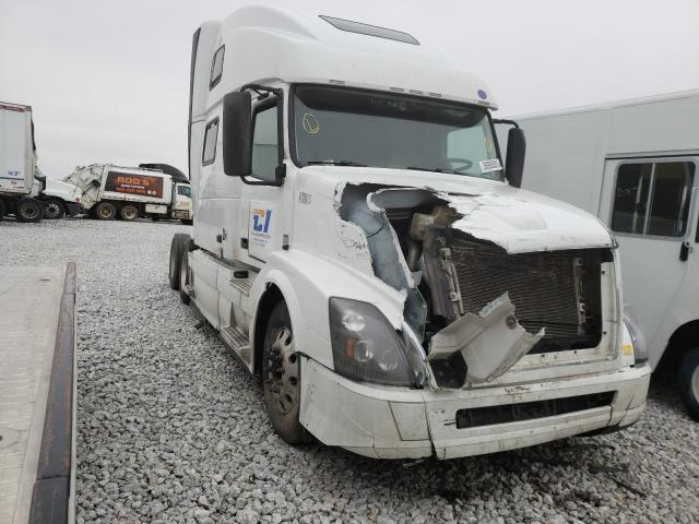 Salvage cars for sale from Copart Greenwood, NE: 2017 Volvo VN VNL