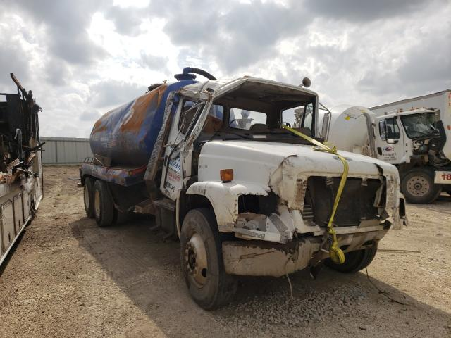 Salvage cars for sale from Copart Temple, TX: 2001 Freightliner FL80 Chas