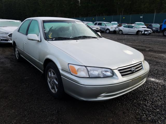 Salvage cars for sale from Copart Graham, WA: 2000 Toyota Camry